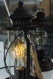 Поверните электрическую лампочку дальше приведенную, на clasical лампах Стоковые Изображения RF