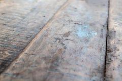 Поверхность доск поцарапанных таблицей старых деревянных стоковые изображения