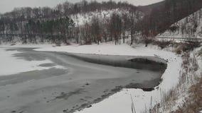 Поверхность замороженного озера в Европе видеоматериал