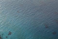 Поверхность морской воды ровная, солнце отражения океана, осматривает надводный 40 метров Стоковое фото RF
