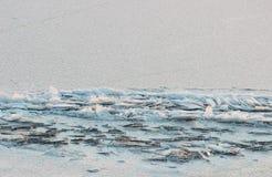 Поверхность льда текстуры реки на первом замораживании дня Стоковая Фотография