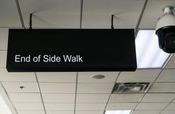 Повисните знаки для конца камеры бортовой прогулки и цепи на escala стоковые фотографии rf