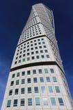 Поворачивая фасад торса 2-ого октября 2015 в Malmo, Швеции Поворачивая торс небоскреб de deconstructionist Стоковое Фото