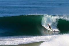 Поворот дна волны серфера   Стоковое Фото
