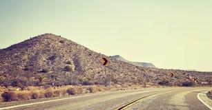Поворот дороги пустыни, концепция перемещения, США Стоковые Фото
