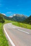 Поворот дороги в горах Стоковые Фото