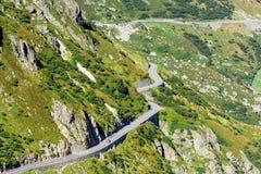 Поворот дороги в горах Стоковые Изображения