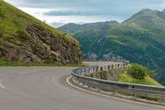 Поворот дороги в горах Стоковое Фото