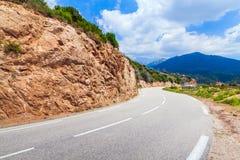 Поворот дороги горы, ландшафт Корсики Стоковые Фотографии RF
