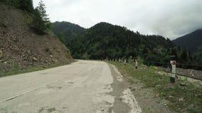 Поворот дороги горы сток-видео