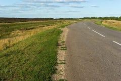поворот проселочной дороги крутой Стоковая Фотография RF