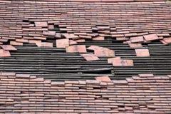 поврежденная крыша отверстия большая Стоковые Изображения RF