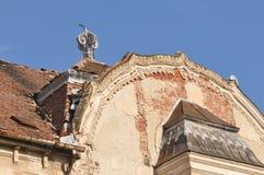 поврежденная крыша стоковые фото