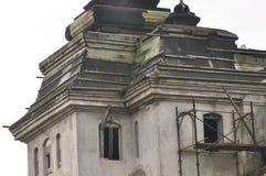 поврежденная крыша стоковая фотография rf