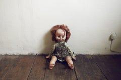 Поврежденная кукла сбора винограда Стоковое Изображение RF