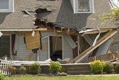 поврежденный торнадо дома Стоковые Фотографии RF
