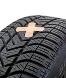Поврежденная покрышка автомобиля Стоковое Фото