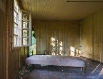 Поврежденная старая комната Стоковое Изображение RF