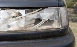 Поврежденный headlamp автомобиля после столкновения Стоковые Фото