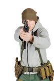 Повстанец или частный воинский подрядчик держа черное оружие война, рука стоковое фото