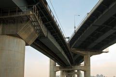 повышенная линия скорых перевозок путь подземки Стоковые Фотографии RF