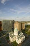 Повышенный взгляд здания суда Сент-Луис исторического старого, федеральной архитектуры стиля построенного в 1826 и места deci раб Стоковые Изображения