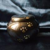 Погребальная урна любимчика Стоковое Изображение RF