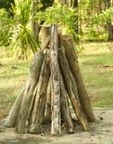 Погребальный костер на поле Стоковое Изображение RF