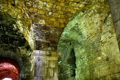 Погреб дворца Diocletian Старая архитектура стоковая фотография rf