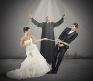 Поглощенный замужеством стоковое изображение