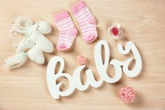 Подарки для детского душа стоковые фото