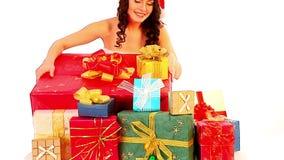 Подарки на рождество в руках женщины Продажа Xmas для девушки видеоматериал
