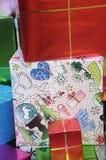 Подарки на рождество wraped в точных бумагах Стоковые Фото
