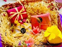 Подарки, разноцветные коробки стоковое изображение rf