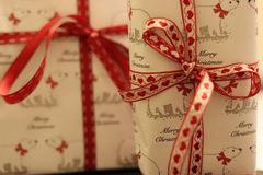 Подарки рождества закрывают вверх стоковая фотография