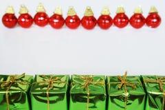 подарки рождества шариков Стоковые Изображения