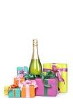 подарки шампанского бутылки стоковое изображение