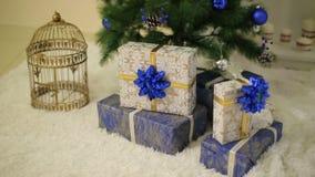 Подарки anf рождественской елки акции видеоматериалы