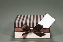 подарок визитной карточки коробки Стоковые Изображения