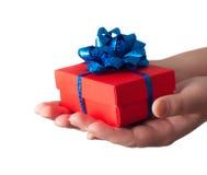 подарок давая руки Стоковые Изображения