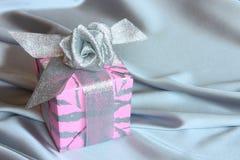 Подарок: Карточка дня матей - фото штока Стоковые Изображения