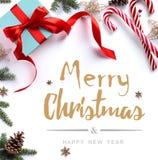 Подарок рождества, ветви ели и орнамент рождества Стоковые Изображения RF