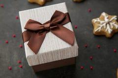 Подарочная коробка Брайна с сюрпризом Стоковые Изображения RF