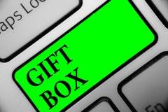 Подарочная коробка текста почерка Концепция знача cointainer a малое с дизайнами способными регулировать представляет клавиатуре  иллюстрация штока