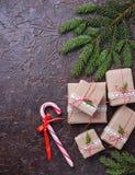 Подарочные коробки и тросточка конфеты Стоковое Фото