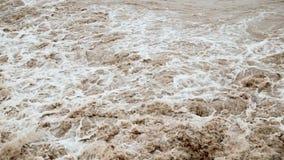 Подача грязной воды после потока акции видеоматериалы