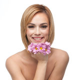 подбородок цветет счастливо ее отдыхая детеныши женщины Стоковое фото RF