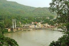 подвес реки rishikesh ganga моста стоковая фотография