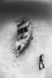 Подводная развалина шлюпки Стоковые Изображения