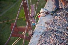 Подготавливающ поскакать от моста, страха скакать, оборудование для скакать стоковые изображения